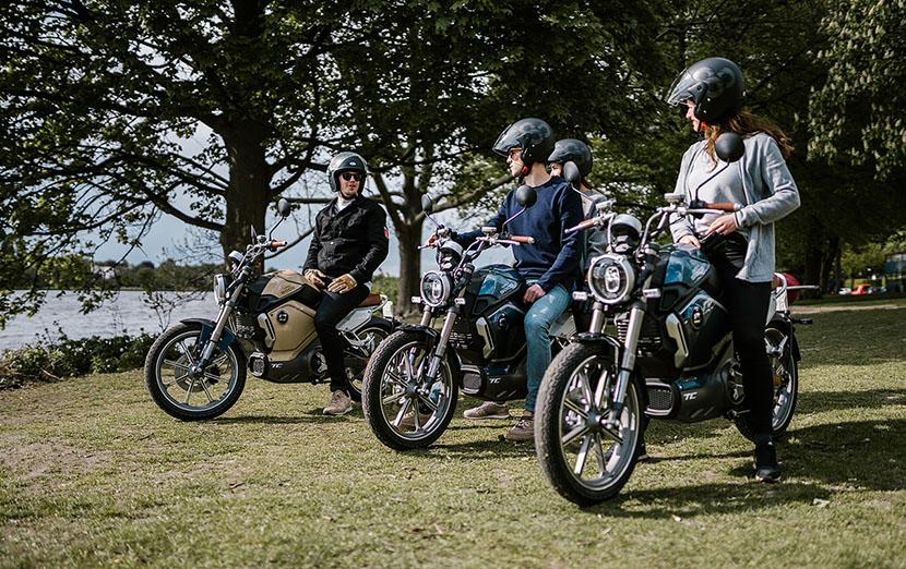 Kutten Tours - Hamburg Alster mit e-Mopeds