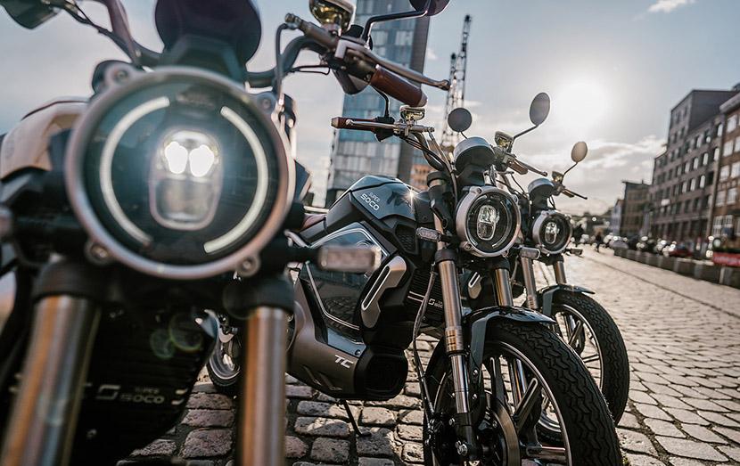 retro-e-mopeds-kuttentours