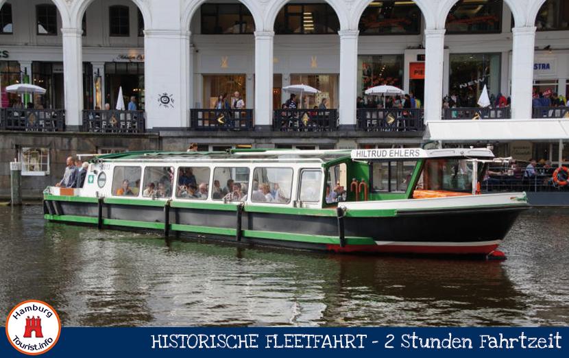 historische-fleetfahrt-hamburg-rathaus