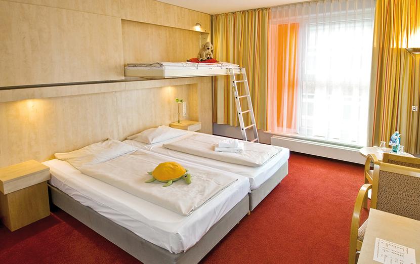 hotel hamburg junges hotel hamburg hamburg. Black Bedroom Furniture Sets. Home Design Ideas