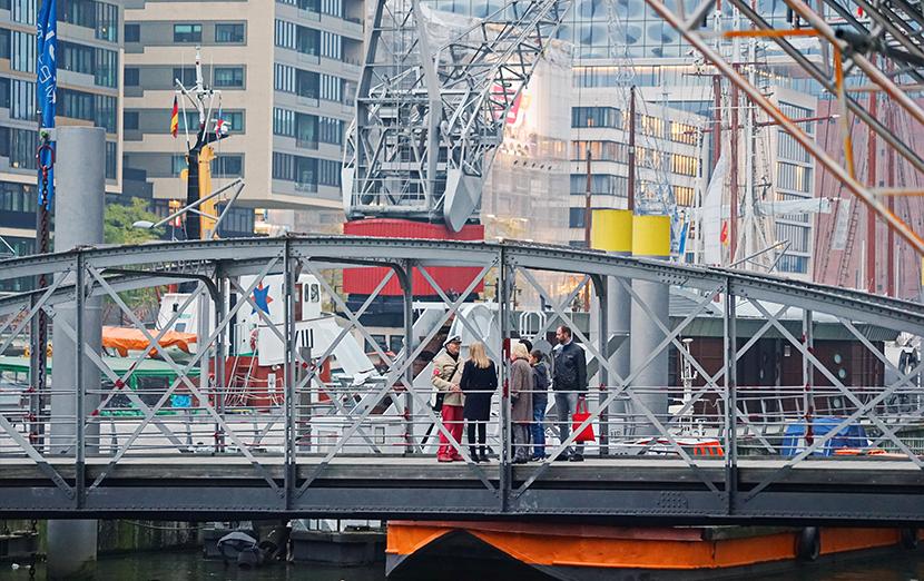 hamburg-stadtfuehrung-waterkant-kompakt-traditionsschiffhafen